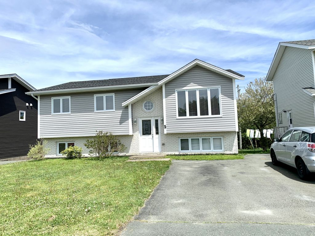 5 Peckford Place , Mount Pearl