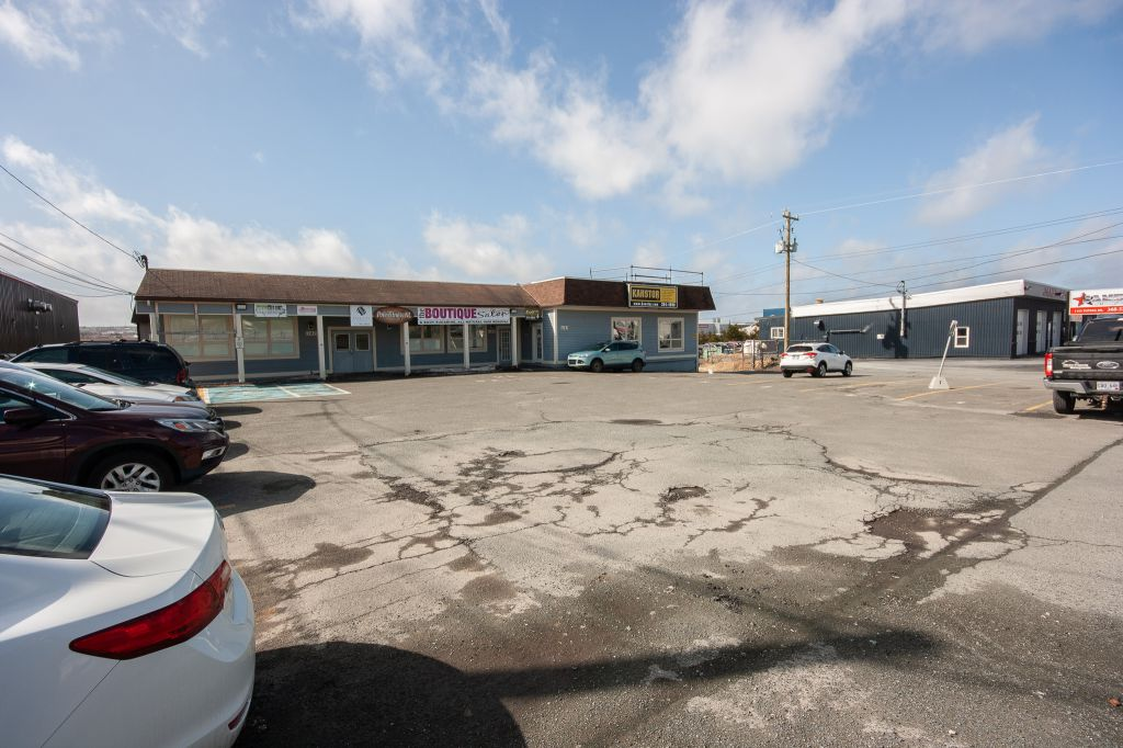 1147 Topsail Rd , Mount Pearl